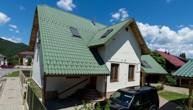 Proiect casa otelu rosu tigla metalica nordic 400 lindab